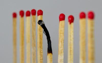 Hogyan győzheti le az éber tudatosság (mindfulness) a munkahelyi stresszt és a kiégést (burnout)?
